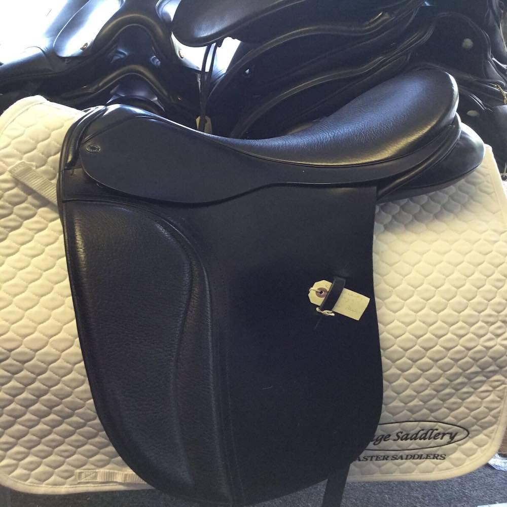 Black Country Kur Flat Seat Saddle
