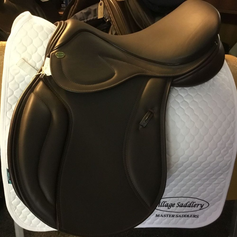 Village Saddlery Jump Brown